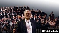 Диригент Роджер Мамеррін (США) з Київським симфонічним оркестром та хором у Києві, 21 квітня 2011 року
