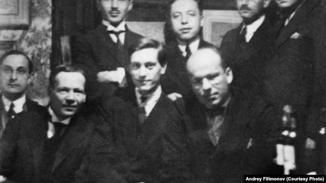 Густав Шпет в кругу соратников по РАХН