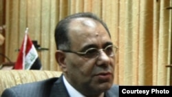 وزير الكهرباء المستقيل كريم وحيد