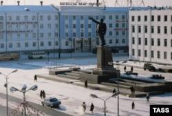 1986-жылы 2-апрелде Ленин аянтында саха жаштары көтөрүлгөн. Якутск ш.