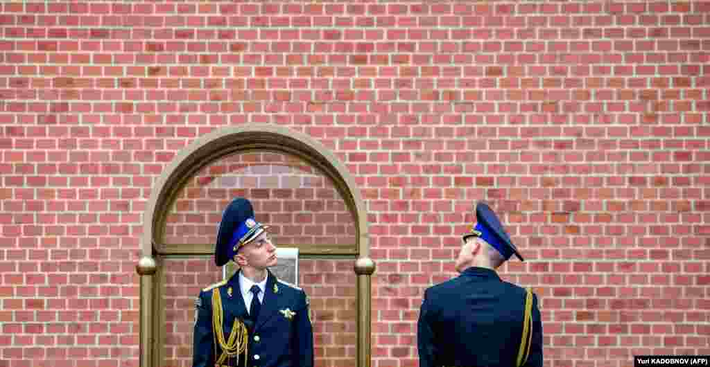 Russian honor guards attend the changing-of-the-guard ceremony at the Tomb of the Unknown Soldier in Moscow on May 9. Russia celebrated the 74th anniversary of the victory over Nazi Germany. (AFP/Yuri Kadobnov)