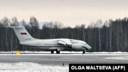 Самолет в аэропорту «Пулково» в Санкт-Петербурге. Иллюстративное фото.