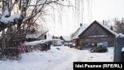 Дома в цыганском таборе в селе Айша