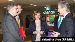 Pirka Tapiola, Dirk Schuebel, Natalia Gherman și Iurie Leancă la Atena, 28 aprilie 2014.