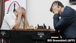 Гарри Каспаров и Сергей Карякин на турнире в Сент-Луисе