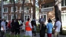 Rama viziton afganët e strehuar në Shqipëri