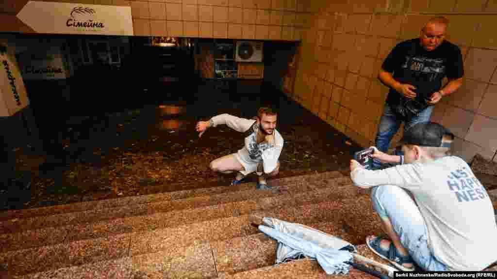 Затоплений перехід до метро «Академмістечко», Київ, 19 липня 2021 року