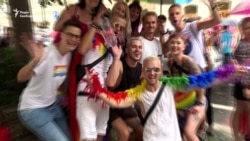 У Празі вперше за підтримки мерії міста пройшов гей-парад (відео)