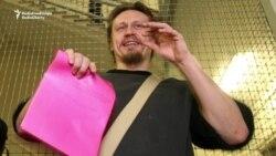 Dissident Russian Artist To Ask For Asylum In Czech Republic