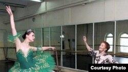 Uzbekistan - Galia Izmailova, prominent Uzbek ballet dancer, Uzbekistan People's Artist, photo taken from Vesti.uz agency