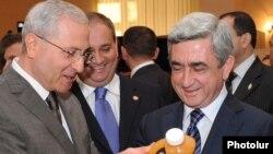Armenia -- Agriculture Minister Sergo Karapetian (L), his predecessor Gerasim Alaverdian (C) and President Serzh Sarkisian at an agribusiness exhibition in Yerevan.
