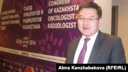 Заместитель директора по стратегическому развитию КазНИИ онкологии и радиологии Даулет Байпеисов. Алматы, 29 апреля 2014 года.