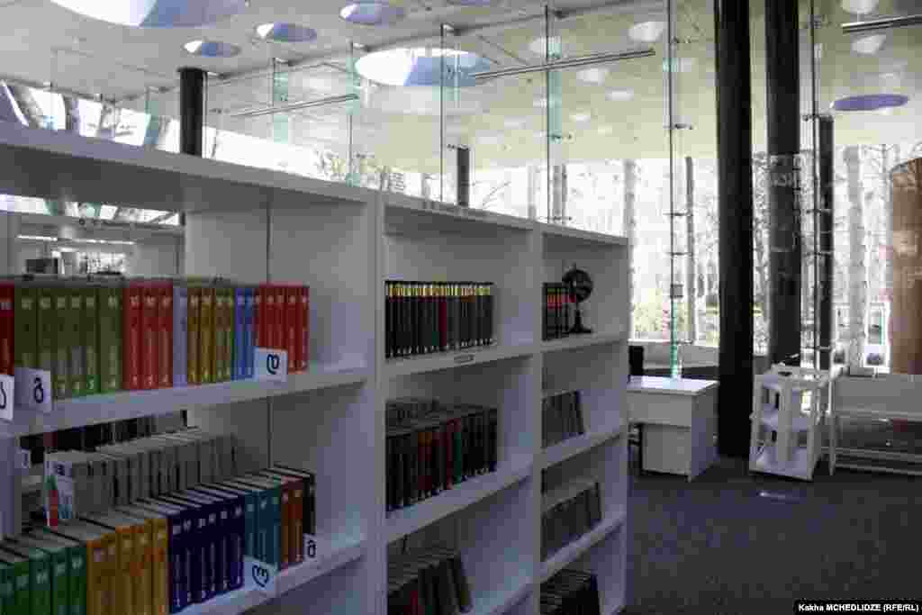 მედიათეკის ბიბლიოთეკა