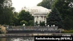 Маєток, де мешкає родина президента Петра Порошенка у Козині на Київщині
