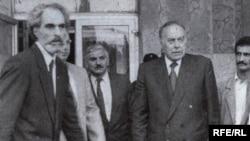 Президент Абульфас Эльчибей и его будущий преемник Гейдар Алиев, 1992