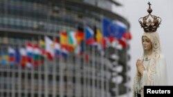 În fața Parlamentului European de la Strasbourg