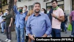 Христо Иванов по време на протестите срещу правителството