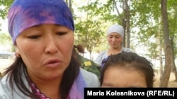 Эльнура Кадырова - сестра одного из погибших пограничников, Аксуйский район, 22 августа 2012 года.