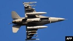 Amerika istehsallı F-16 bombardmançıları