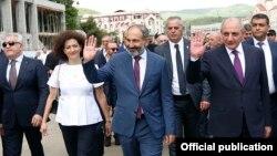 Элдик толкундоонун аркасында бийликке келген премьер-министр Никол Пашинян, 9-май, 2018-жыл.