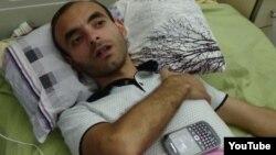 Әзербайжандық журналист Расим Әлиев аурухана төсегінде жатыр.