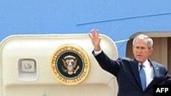 آقای بوش در هفتاد و پنجمين سالگرد نزديک شدن روابط واشينگتن با بزرگترين توليد کننده مسلمان نفت وارد اين کشور می شود. (عکس از AFP )