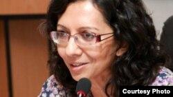 Бавна Даве, Лондон университетінің Орталық Азияны зерттеуші ғалымы, Шығыстану және африкатану мектебінің оқытушысы.
