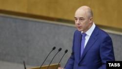 Министр финансов Антон Силуанов выступает перед депутатами