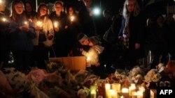 Жалоба за загиблими під час стрілянини у школі, Ньютаун, штат Коннектикут, 16 грудня 2012 року