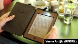 В западных странах предпочитают читать электронные книги