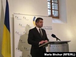 Посол України в Чехії Євген Перебийніс