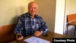 Ижевск. Активист Виктор Шутов управляет Россией непосредственно. Фото Надежды Гладыш