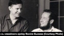 Васіль Быкаў і Аляксандр Салжаніцын, 1967