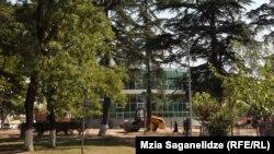 პოლიციის ახალი შენობა კიკვიძის პარკში