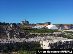 Трибуна оперного фестиваля построена на территории заповедника «Херсонес Таврический».