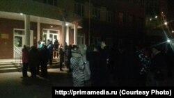 Ночные очереди у школ Владивостока