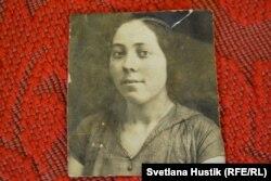 Мати Поліни до заслання до Сибіру