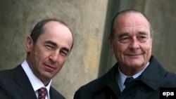 Ժակ Շիրակը ողջունում է Ռոբերտ Քոչարյանին Ելիսեյան պալատում, Փարիզ, 19-ը փետրվարի, 2007թ.
