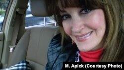 مری آپیک سالهاست که ساکن لسآنجلس در آمریکاست