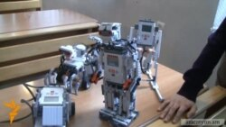 Դպրոցի սաները ռոբոտներ են պատրաստում