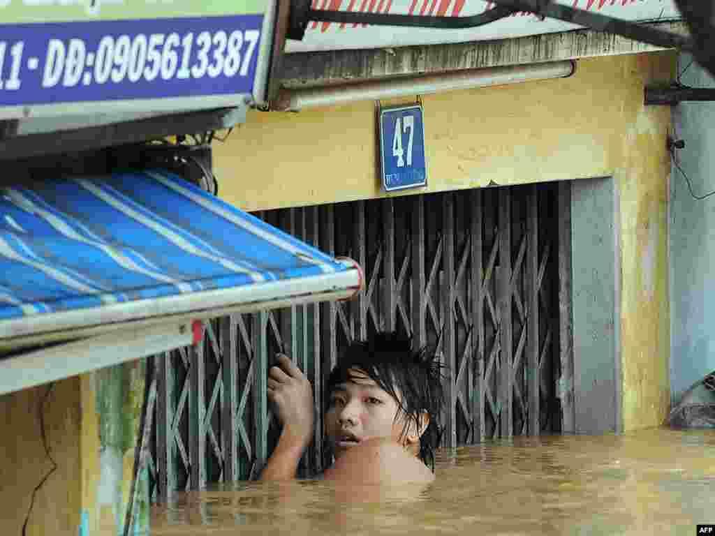 "Число жертв тайфуна ""Кетсана"" во Вьетнаме достигло 38 человек"