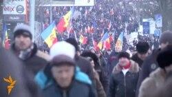 Marșul protestatarilor prin Chișinău