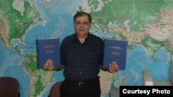 Uzbekistan - Jahongir Muhammad author of Uzbek-English Dictionary