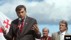 Михаил Саакашвили назвал глупостью попытки отделить Южную Осетию от Грузии