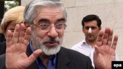 Лидер оппозиции Мир Хосейн Мусави, бывший кандидат в президенты Ирана. Тегеран, 29 мая 2009 года.