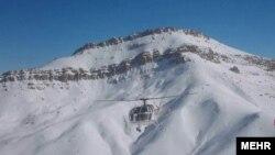 عملیات جستوجوی کوهنوردان مفقودشده در اشترانکوه به دلیل «سرمای زیاد و تاریکی هوا» در شب متوقف و به شنبه صبح موکول شده است