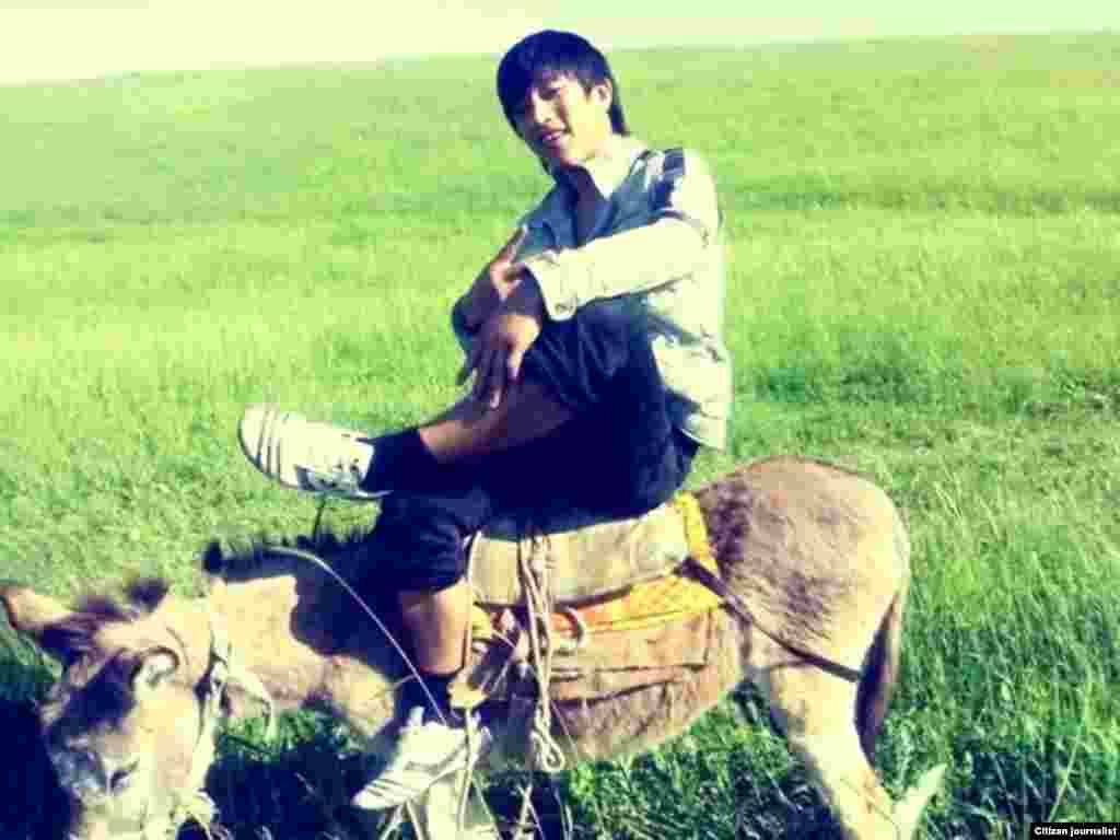 Фото сделано, когда с другом Арманом вместе пасли баранов.