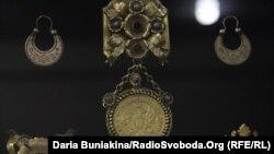 Відреставрований Юрієм Коваленком дукач, який є в Ермітажі