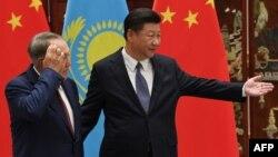Қазақстан президенті Нұрсұлтан Назарбаев Қытай төрағасы Си Цзиньпинмен кездесуде. Қытай, Ханчжоу, 2 қыркүйек 2016 жыл.