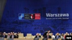 La lucrările summitului de la Varșovia